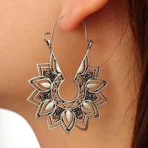 Boho vintage gypsy tribal silver hoop earrings.NW